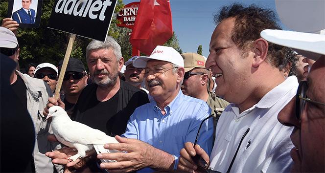 Kılıçdaroğlu: '15 Temmuz FETÖ darbe girişimini sokağa inen bizim insanlarımız engellemedi mi?'