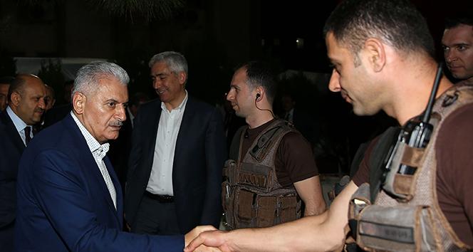 Başbakan Yıldırım'dan güvenlik güçlerine ziyaret
