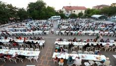 Aksaray Belediyesinin mahalle iftarları ilgi görüyor