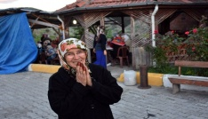 Kıbrıs Gazisi eşi için köyde 500 kişiye iftar verdi
