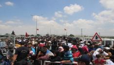Suriyelilerin vatanlarına gitmek için yoğunluğu sürüyor