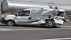 Karsta trafik kazası: 3 yaralı