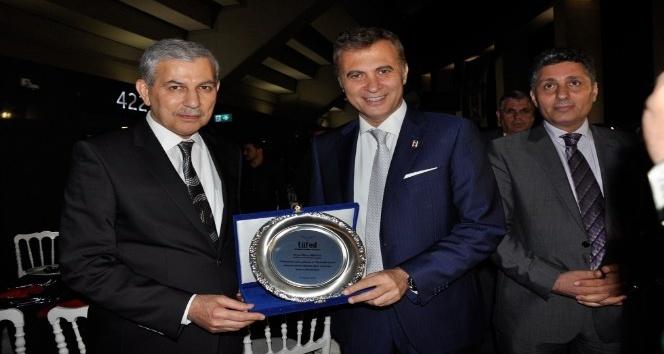 Kara Kartala Türkmen nişanı