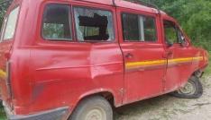 Kastamonuda yoldan çıkan minibüs takla attı