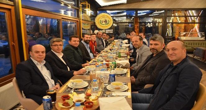Başkan Bakıcı orucunu AK Parti Meclis üyeleri ile birlikte açtı