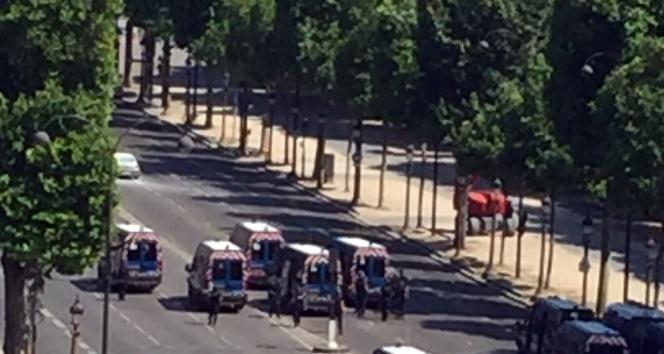 Pariste terör alarmı