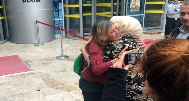 'Kırmızı fularlı kız'ın anne ve babası adli kontrolle serbest bırakıldı