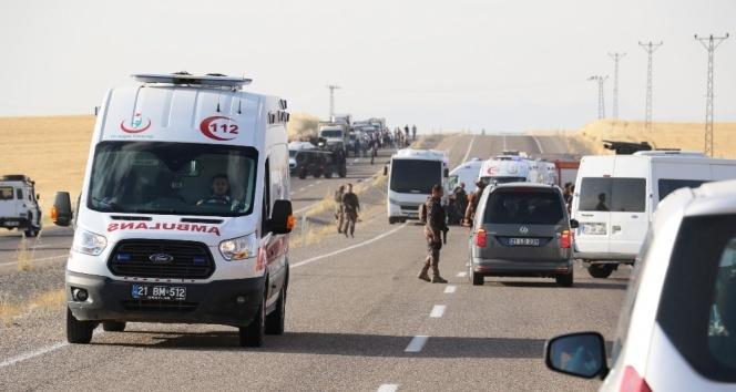 Polis midibüsü ile minibüs çarpıştı: 2 ölü, 4ü polis 18 yaralı