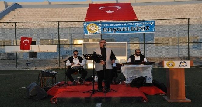 Silvan'da 3 bin kişi kardeşlik sofrasında iftar yaptı