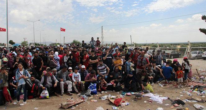 Türkiyeden 106 binden fazla mülteci Suriyeye döndü
