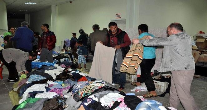 Sorgunda 300 aileye gıda ve giysi yardımı yapıldı