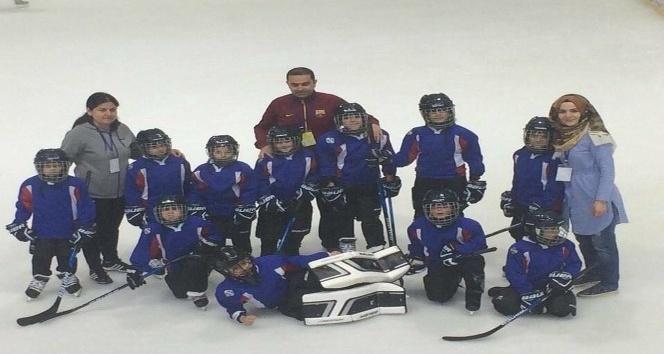 Erzurum ASP Spor Kulübü buz hokey takımını kurdu
