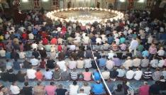 Elazığda Kadir Gecesinde camiler doldu taştı