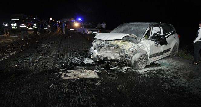Tatvanda trafik kazası: 3 Ölü 8 Yaralı