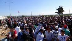 Ülkelerine giden Suriyelilerin sayısı 60 bini buldu
