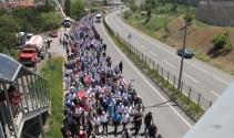 Kılıçdaroğlu'na rabia işaretli karşılama