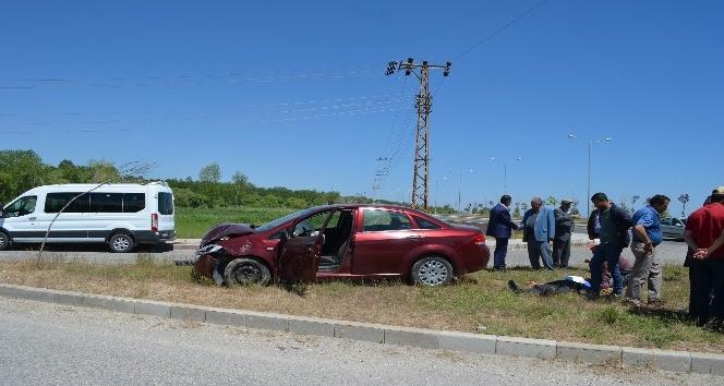 Adilcevazda iki otomobil kafa kafaya çarpıştı: 2 yaralı