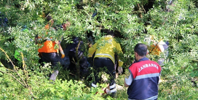 TEM otoyolunda feci kaza: 3 ölü, 1 yaralı