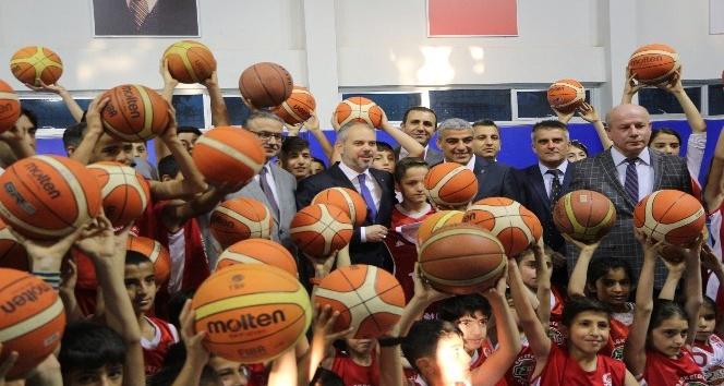 Gençlik ve Spor Bakanı Kılıç, Şırnakta