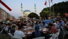 Gaziemirde Halil İbrahim sofraları