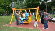 Sabri Yalıma engelli vatandaşlar için salıncak yapıldı