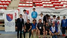 Minik Eskrimciler Türkiye Şampiyonasında başarılı oldu