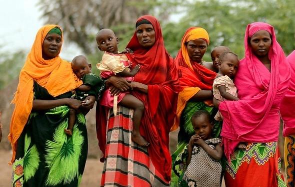 Fotoğraflarla 300 bin çocuğun sokaklarda yaşadığı Kenya