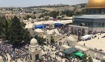 İsrail askerleri Mescid-i Aksa önünde bir Filistinliyi öldürdü