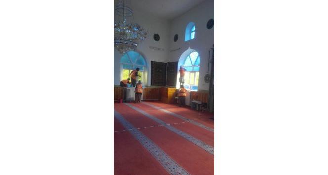 Beyşehirin camileri bayrama hazırlanıyor
