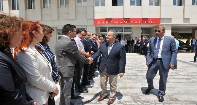 Vali Tapsız, Karamana veda etti