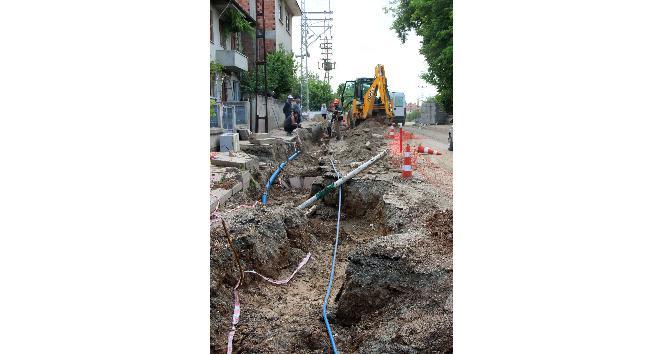 Taşköprüde Sümer Mahallesinde havai elektrik hatları yer altına alınıyor