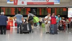 Atatürk Havalimanında bayram yoğunluğu