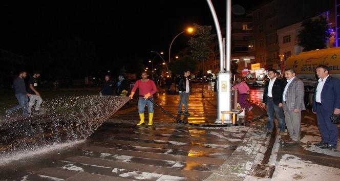 Seydişehirde cadde ve sokaklar yıkandı