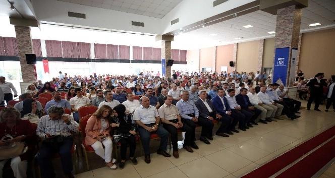 Başkan Karaosmanoğlu, büyükşehir personeliyle bayramlaştı