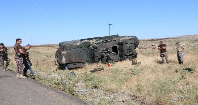 Kaza anı zırhlı araç kamerasına yansıdı