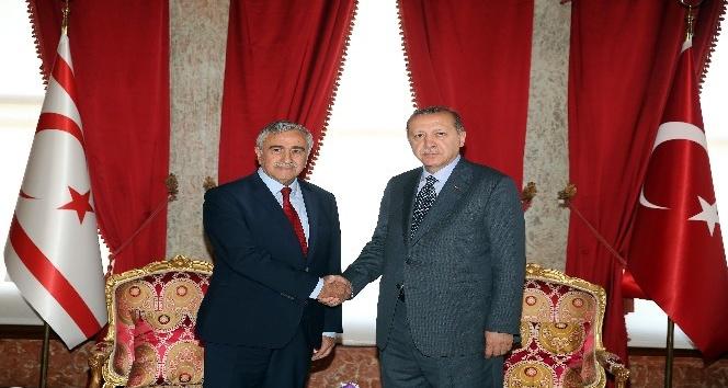 Cumhurbaşkanı Erdoğan, KKTC Cumhurbaşkanı Mustafa Akıncı ile görüştü