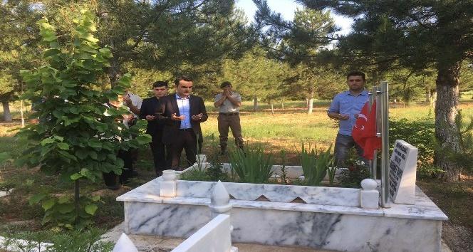 Altıntaşta mezarlık ziyareti