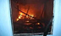 Gazi askerin baba ocağı kül oldu