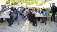 Çaldıran Belediyesinden Bayram Namazı sonrası vatandaşlara Gırar Sıbe ikramı