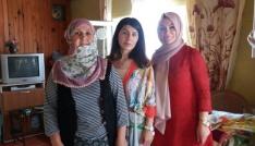 Başkan Yemenicinin eşi Nilay Yemenici ihtiyaç sahibi aileleri sevindirdi