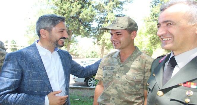TBMM Başkan Vekili Aydının telefonundan eşiyle görüşen askere büyük sürpriz