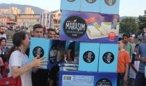Bursada ödüllü Maraş dondurması izdihamı