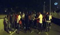 Fransaya geçmeye çalışan mültecilere biber gazı