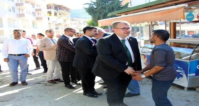 AK Parti Bilecik Milletvekili Eldemir vatandaşlarla bayramlaştı