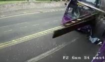 Otobüs çarptı, ayağa kalkıp yürüdü