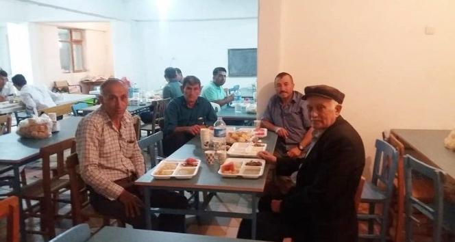 Emetin Kırgıl köyünde hayır yemeği