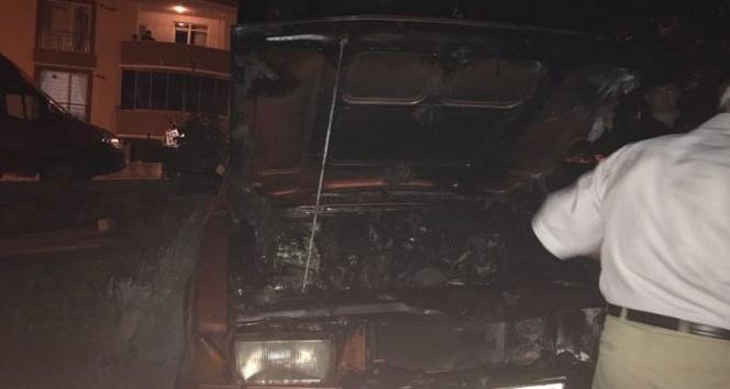 Yeni aldığı otomobil yandı