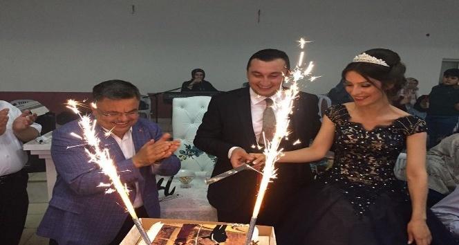 Başkan Yağcı, genç çiftin mutluluğuna ortak oldu