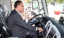 Bakan Bozdağ çöp kamyonunda test sürüşü yaptı