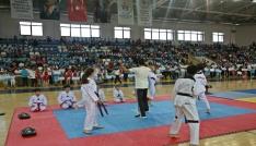 Rizede yaz spor okulları açılışı yapıldı